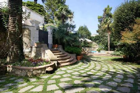 Villa la Piazzetta - Marvelous villa in the center of Capri with rooftop terrace & pool - Image 1 - Capri - rentals