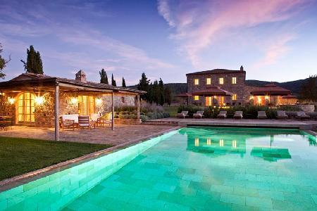 Villa Sant'Anna with extensive grounds, media room and private tennis court - Image 1 - Montalcino - rentals