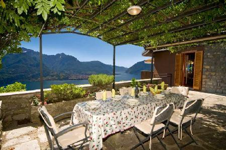 Villa Bellavista with astonishing lake view, infinity pool & central location - Image 1 - Civenna - rentals