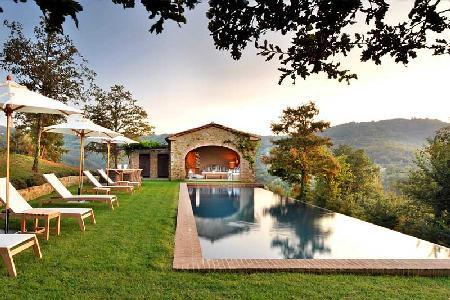 Private haven Villa Spinaltermine with magnificent views, infinity pool & daily maid - Image 1 - Umbertide - rentals