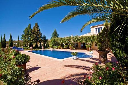 Villa Jasmin - Elegant villa close to Loule with rooftop terrace and separate cottage - Image 1 - Loule - rentals