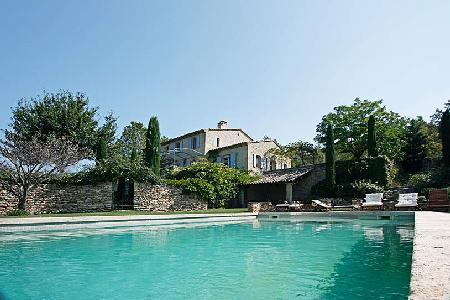 Traditional Farmhouse Mas du Chardonnay Ovelooking Vineyards with Pool & Children Playground - Image 1 - Luberon - rentals
