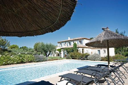 Countryside Family-Friendly Villa Croix des Vertus with Private Pool, Bocce Area & Outdoor Dining - Image 1 - Saint-Remy-de-Provence - rentals