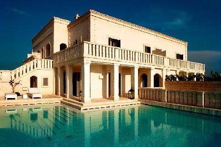 Villa Magnifica - Luxurious villa with large pool, spacious courtyard & luxury amenities - Image 1 - Brindisi - rentals