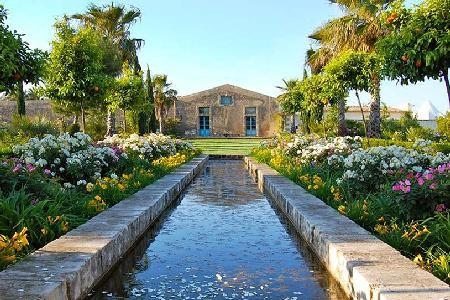 Villa Oasi - Spacious villa in Siracusa Area on 247 acres with pool & beautiful decor - Image 1 - Sicily - rentals