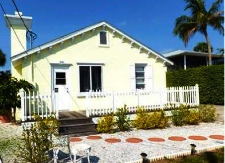 Charming Beach Cottage  - Life's a Beach - Fort Myers Beach - rentals