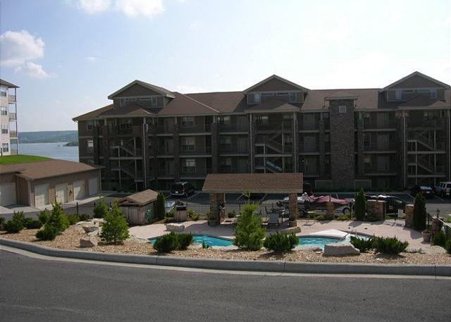 Front of Building - View Point at Table Rock Lake-3 Bedroom, 3 Bath, Table Rock Lake Condo - Hollister - rentals