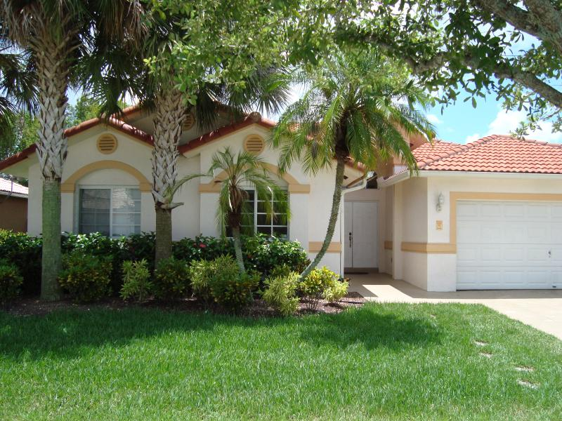 Front - Beautiful House in Weston - Weston - rentals