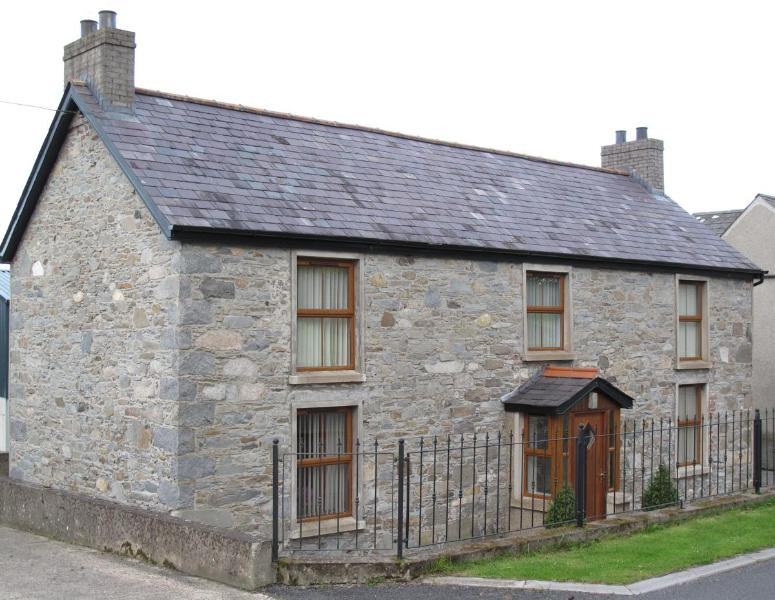 Outside view of the property - Grove Fort - Dromore - rentals