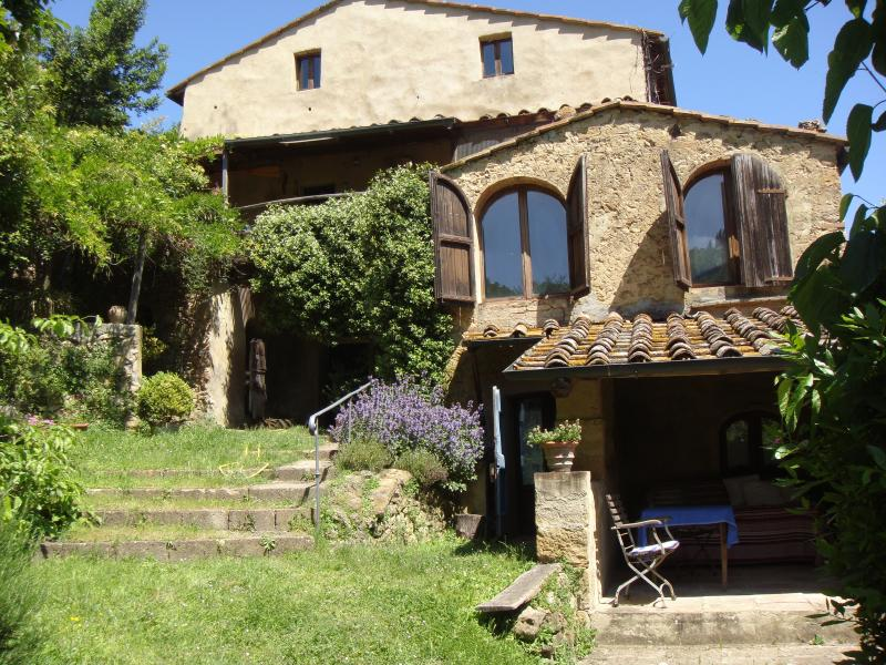 The Loggia on the right with its outdoor dining patio and sun area - The Tuscany LOGGIA in  Beautiful Volterra - Volterra - rentals