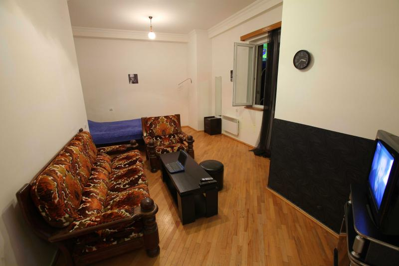 Tamta's apart in heart of Tbilisi, - Image 1 - Tbilisi - rentals