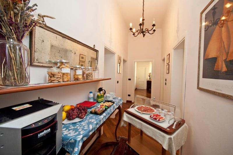 Welcome to AI FIUMI! LAVINO 3-Bedroom Apartment accommodates up to 8 adults + 1 child. 2 terraces! - AI FIUMI - LAVINO 3-BEDROOM APT. - Bologna - rentals