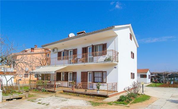 Apartment for 6 persons in Valbandon - Image 1 - Fazana - rentals