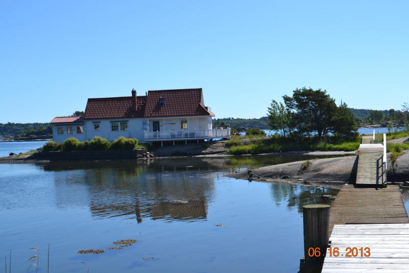 Bridge from the mainland - Beautiful Seaside Cottage on private island - Sandefjord - rentals