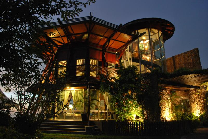 Sinurambi at dusk  - Luxury bed and breakfast - Sabah - rentals