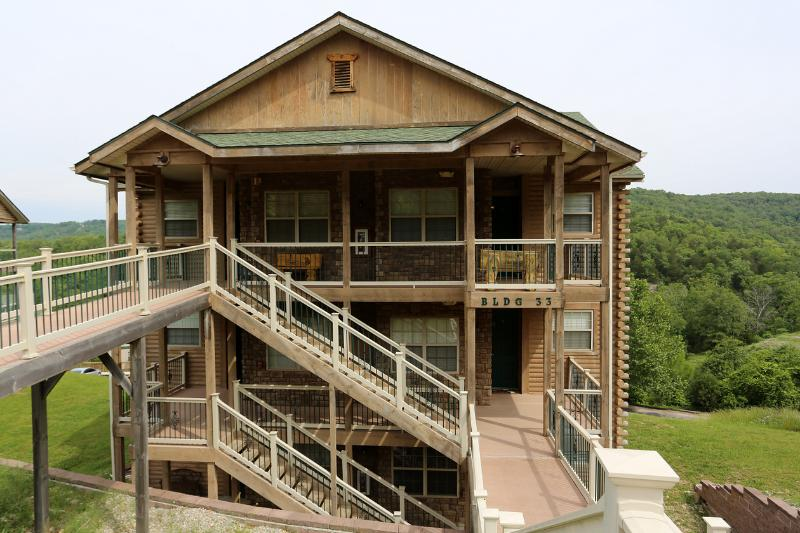 Jetted tub, Fireplace, Pool, Hot tub and next to Silver Dollar City (33-2) - Image 1 - Branson - rentals