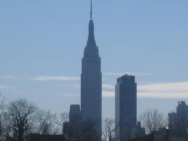 Empire state building Views from deck  and kitchen  - 2bed 1bath 8min ride to TSQ huge deck & NYC views - Weehawken - rentals