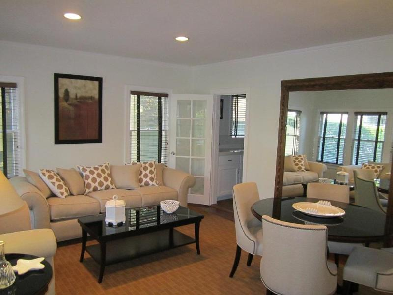 Gorgeous Comfort Gated 1346 - Image 1 - Los Angeles - rentals