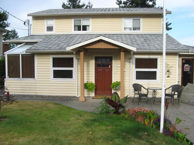 Our home - Money Pennies Bed and Breakfast - Campbell River - rentals