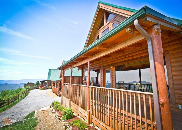 Awestruck Wears Valley Exterior Cabin - Spectacular Views from the 1 bedroom cabin    AWESTRUCK #170 - Sevierville - rentals
