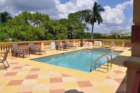Pool area and spa - Fabulous Penthouse Condo on 5th Avenue - Naples - rentals