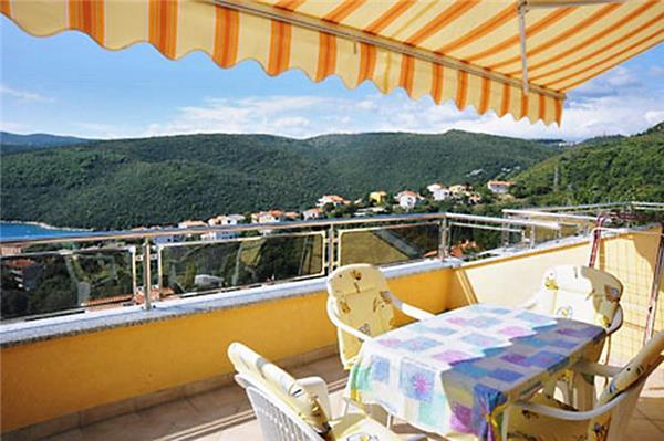 Renovated apartment for 5 persons in Rabac - Image 1 - Rabac - rentals