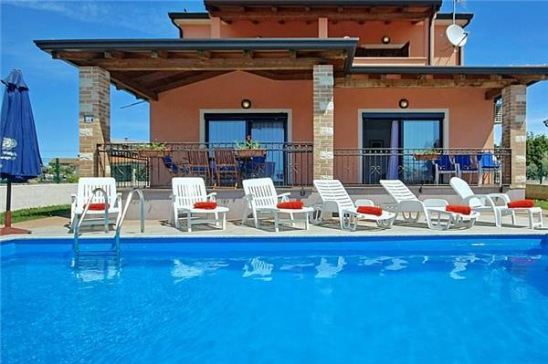 Newly built holiday house for 8 persons, with swimming pool , in Porec - Image 1 - Porec - rentals