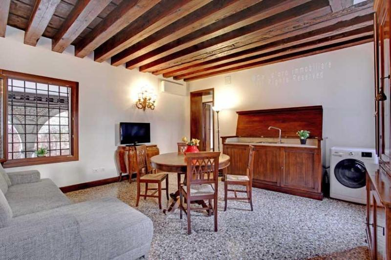 Apartment Scala Reale, few step to Casinò di Venezia, near to Jewish Ghetto, 12/15 minutes walk to Rialto - Image 1 - Venice - rentals