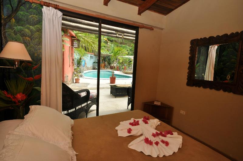 ONE BEDROOM CONDO - Image 1 - Quepos - rentals