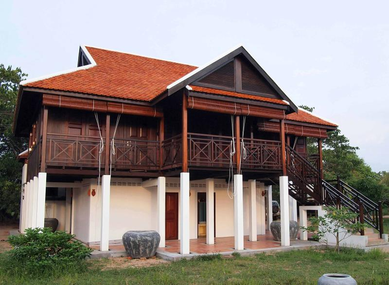 Front side of main building - Channa's Angkor Homestay - Siem Reap - rentals