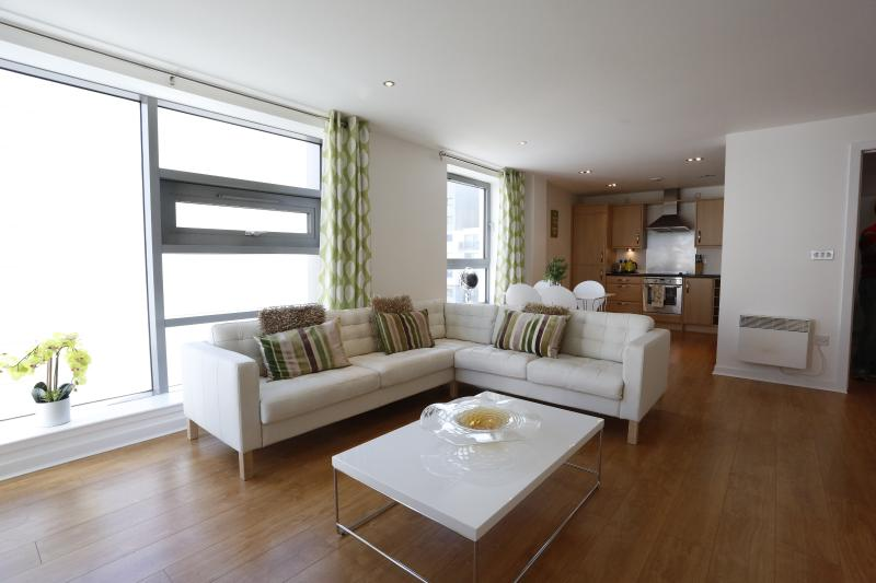 Large living area - Luxury Waterfront Apartment - Edinburgh - rentals
