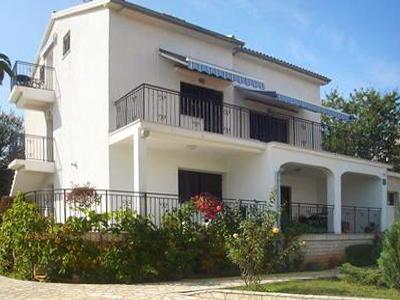 Attractive apartment for 4 persons near the beach in Krk - Image 1 - Vantacici - rentals
