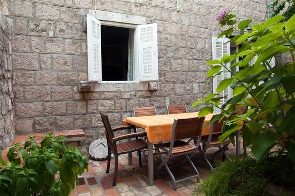 Apartment for 6 persons near the beach in Cavtat - Image 1 - Cavtat - rentals