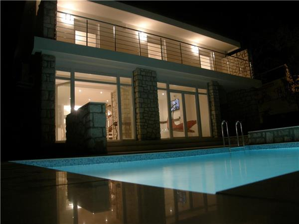Holiday house for 10 persons, with swimming pool , near the beach in Crikvenica - Image 1 - Selce - rentals