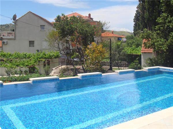 Apartment for 3 persons, with swimming pool , near the beach in Dubrovnik - Image 1 - Mlini - rentals