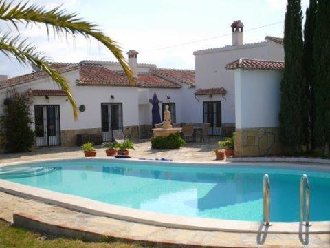 Holiday house for 8 persons, with swimming pool , in Málaga - Image 1 - Lake Vinuela - rentals