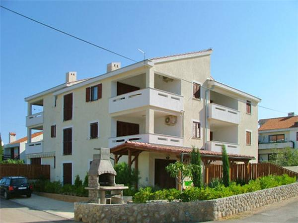 Apartment for 7 persons near the beach in Krk - Image 1 - Punat - rentals