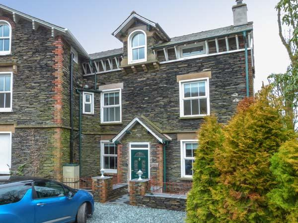 MOSS COTTAGE, wonderful family accommodation, woodburner, decked garden, close to amenities, in Windermere, Ref 23607 - Image 1 - Windermere - rentals