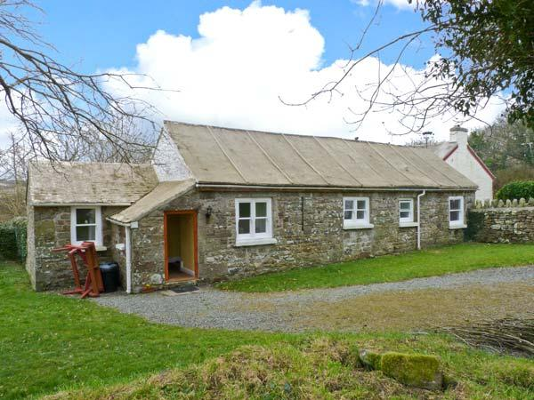 THE GRANARY, single-storey cottage, open plan living area, counryside views, near Little Haven, Ref 23758 - Image 1 - Little Haven - rentals