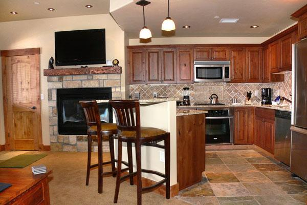 Emerald Lodge Kitchen - 5114 - 5114 Emerald Lodge, Trappeurs - Steamboat Springs - rentals