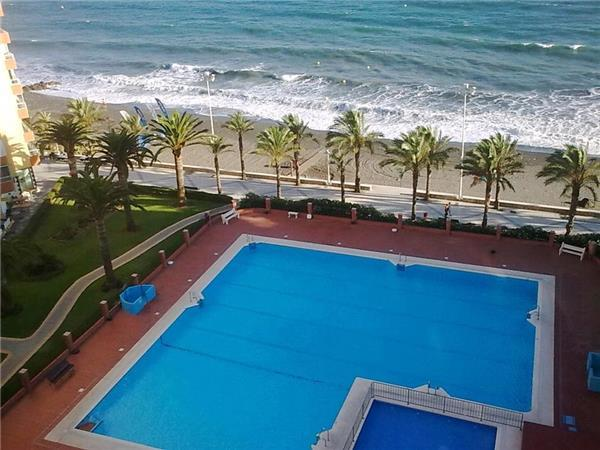 Renovated apartment for 4 persons, with swimming pool , near the beach in Torre del Mar - Image 1 - Caleta De Velez - rentals