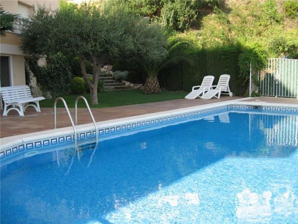 Apartment for 4 persons, with swimming pool , in Llanca - Image 1 - Llanca - rentals