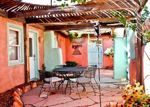 Welcom to Patron II - Casita Patron II - Private Patio, Hot Tub, Kiva Fireplaces, Walk to Plaza - Santa Fe - rentals