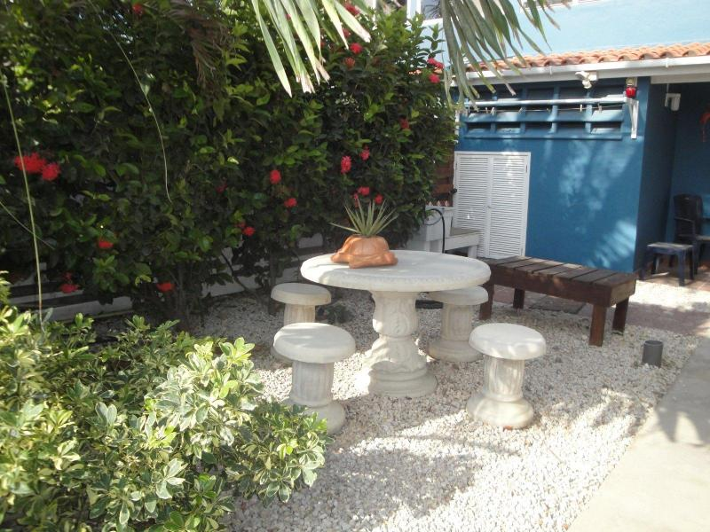 Front Yard and gear wash/dry area - Bonaire's Best - ocean, pool, & air conditioning - Kralendijk - rentals