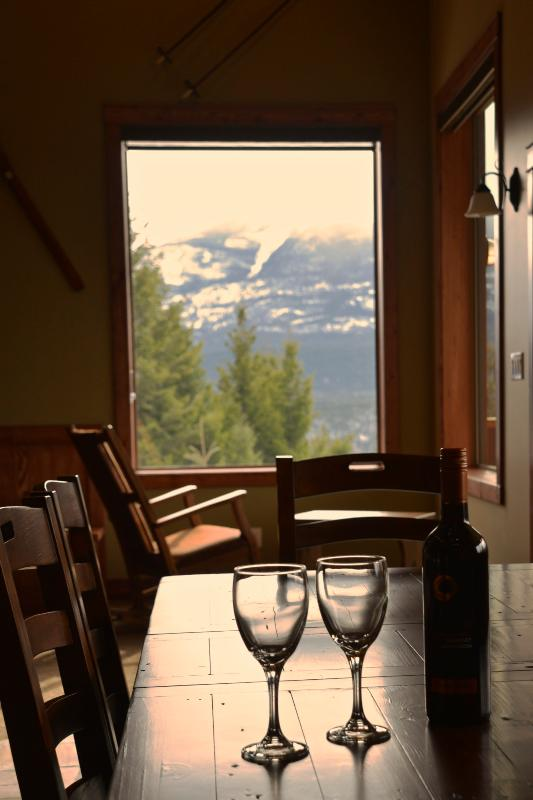 Dining Area - Mountain View Chalet - Golden - rentals