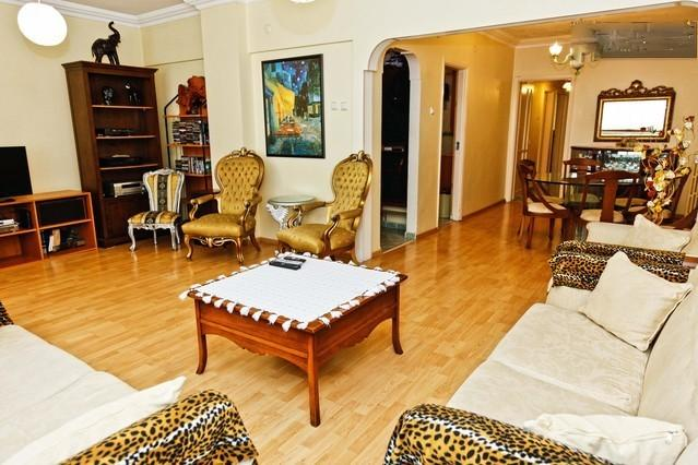 living room - Taksim, 3bedrooms flat near sea & tram,up to 10 - Istanbul - rentals