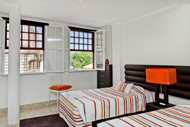 Oporto Clerigos Studio Apartment - Image 1 - Refoios Do Lima - rentals