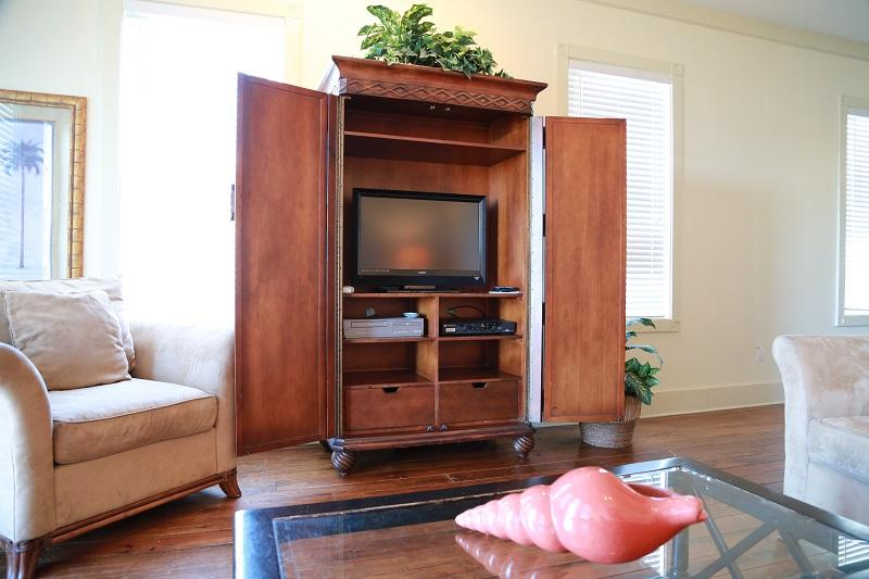 TV in living room - 4bd/3.5ba West Winds 'A' 2 pools, hot tub, & pier! - Gulf Shores - rentals