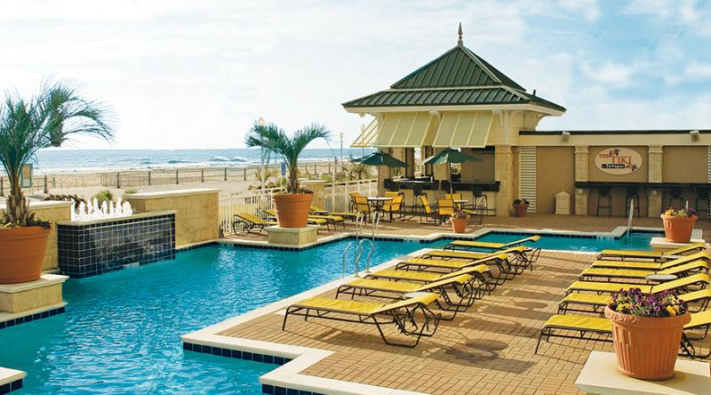 pool and tiki bar - Oceanfront Unit - Virginia Beach - Virginia Beach - rentals