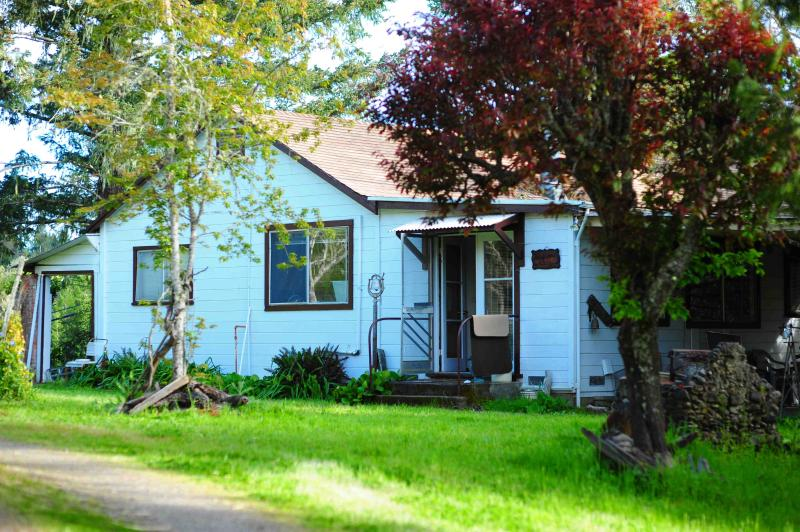Front of House - Wine Country Farmhouse - Philo - rentals